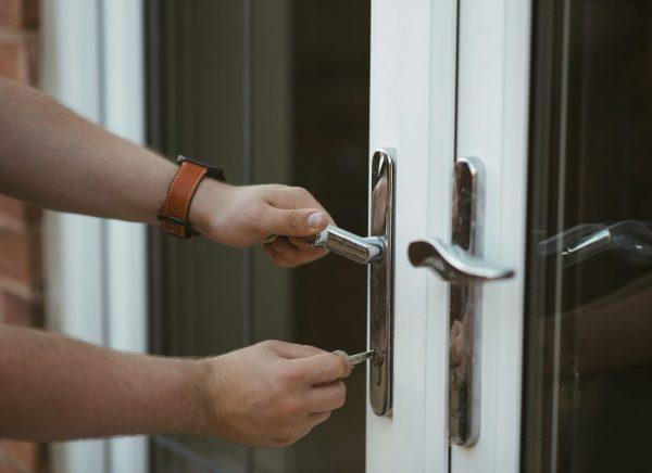 locking-door-home-security